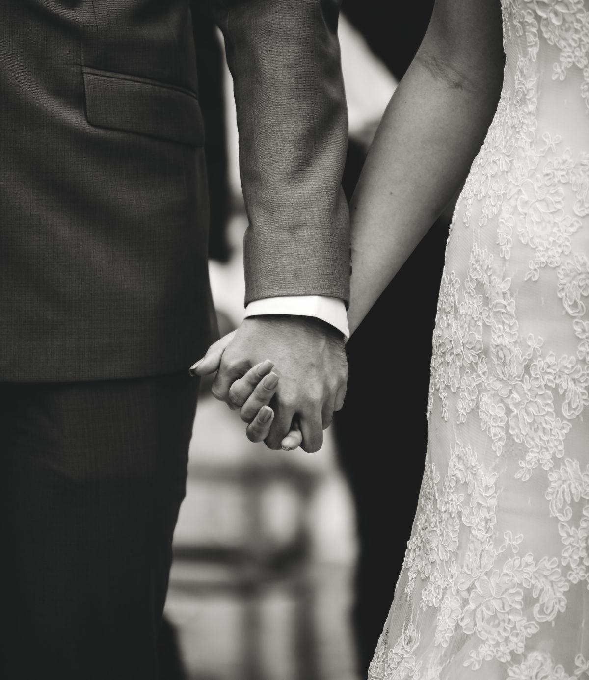 nő keresek esküvői kamerun)
